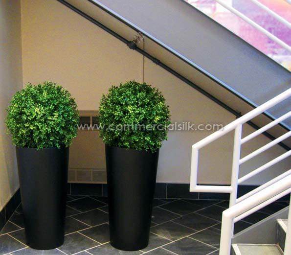 Outdoor Potted Topiary Ball Faux Boxwood Tree Commercial Silk